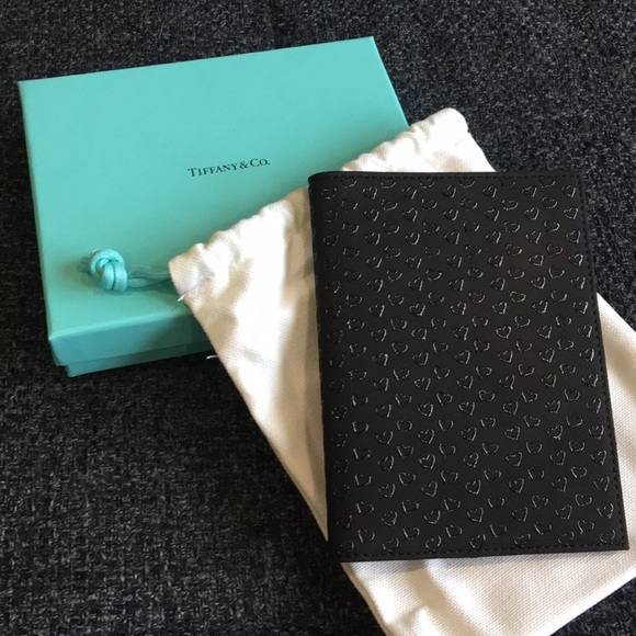 a8132c302e47 Tiffany   Co. Elsa Peretti Heart Passport Holder